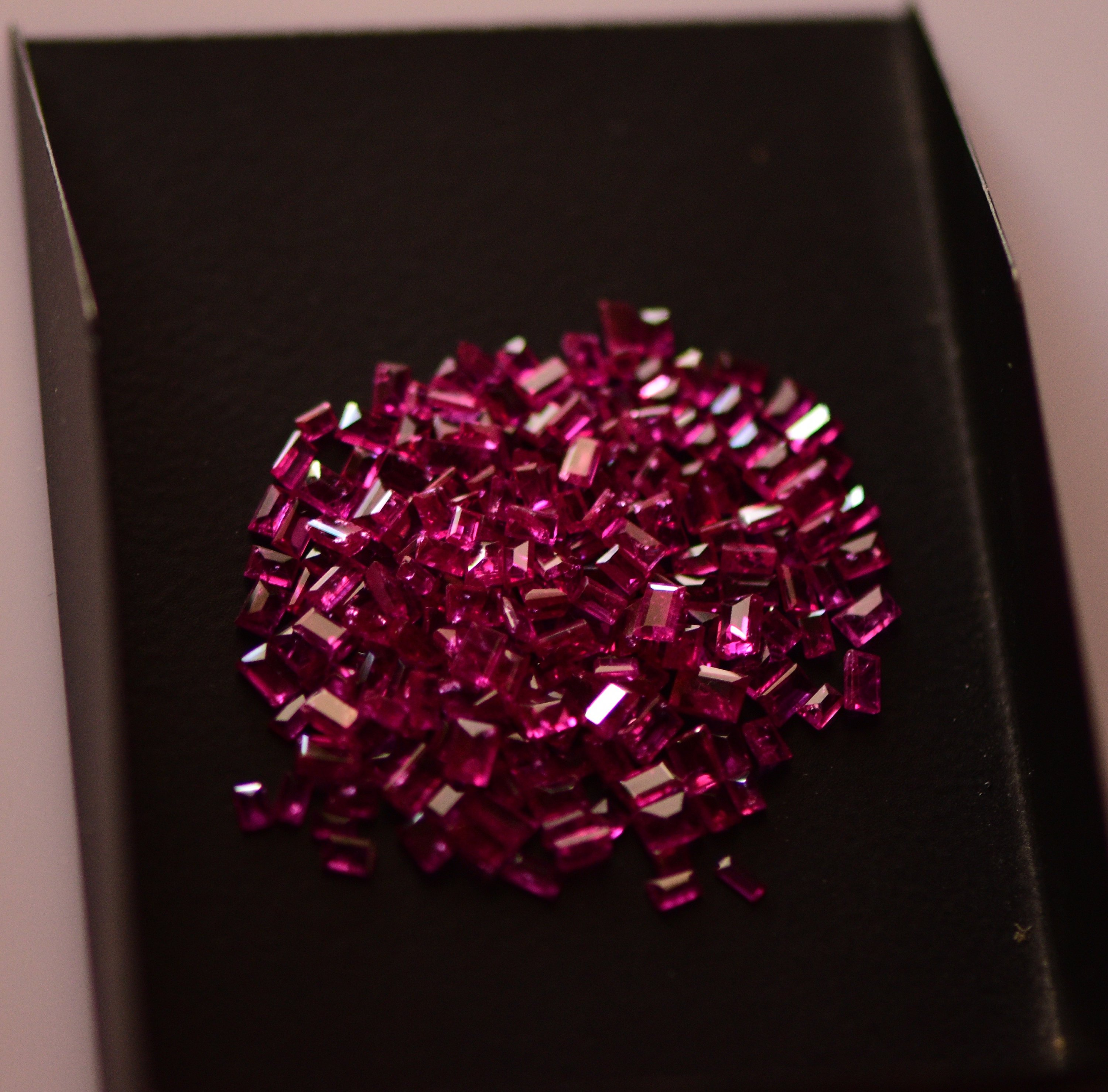 #Natural heated ruby Melee -205 pieces- 17.50carat total  weight