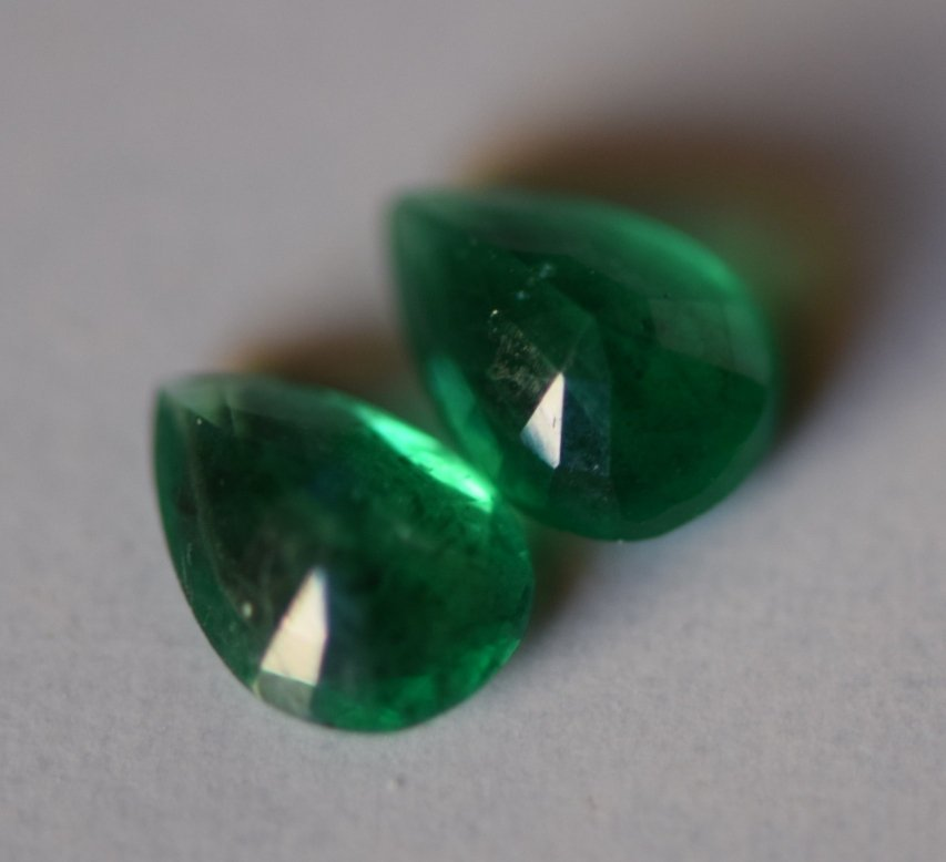 #Emerald  Pear shape Pair-1.0 carat