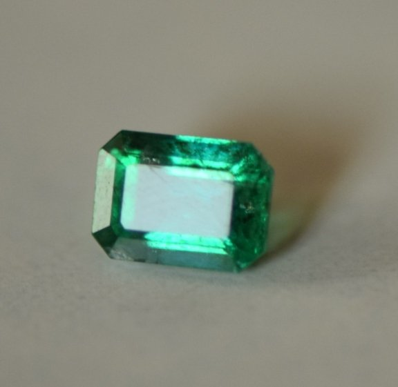Emerald-0.95 carat- oil only
