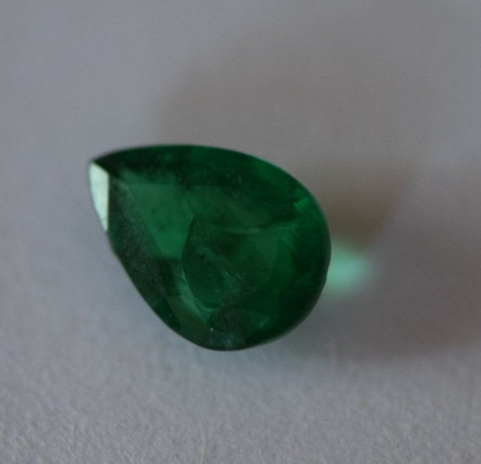 Emerald-1.05 carat- oil only
